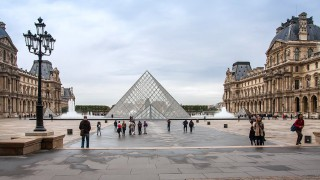 How to save time waiting in the queues for the top attractions in Paris