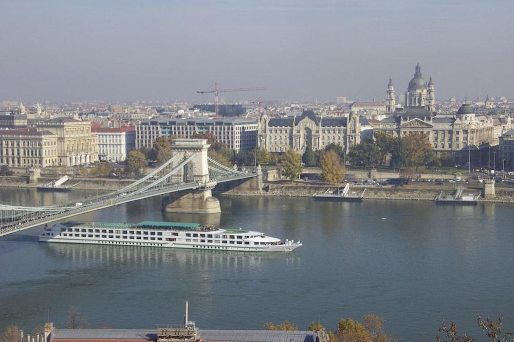 Budapest Pictures: Chain Bridge Budapest